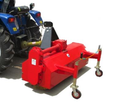 Tractor Roadbrush
